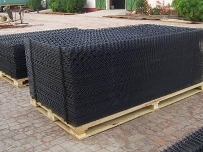black-pvc-welded-panel-pallets